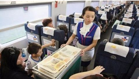 """北京春运高铁套餐增品种 包子馅饼""""上线"""""""