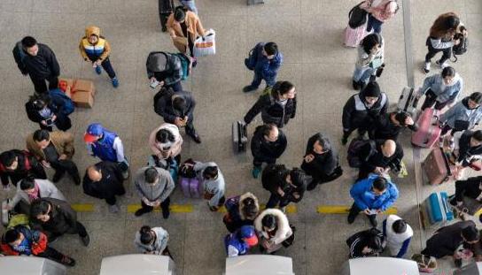 全国铁路预计发送旅客940万人 春运客流高峰来临
