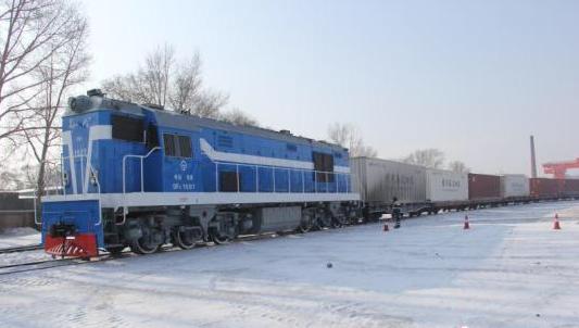 """哈尔滨公铁海联运打通国内货运服务""""最后一公里"""""""